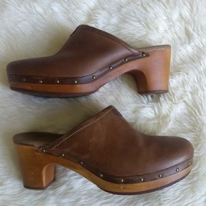 UGG Abbie 1951 Mule Brown Leather Size 10